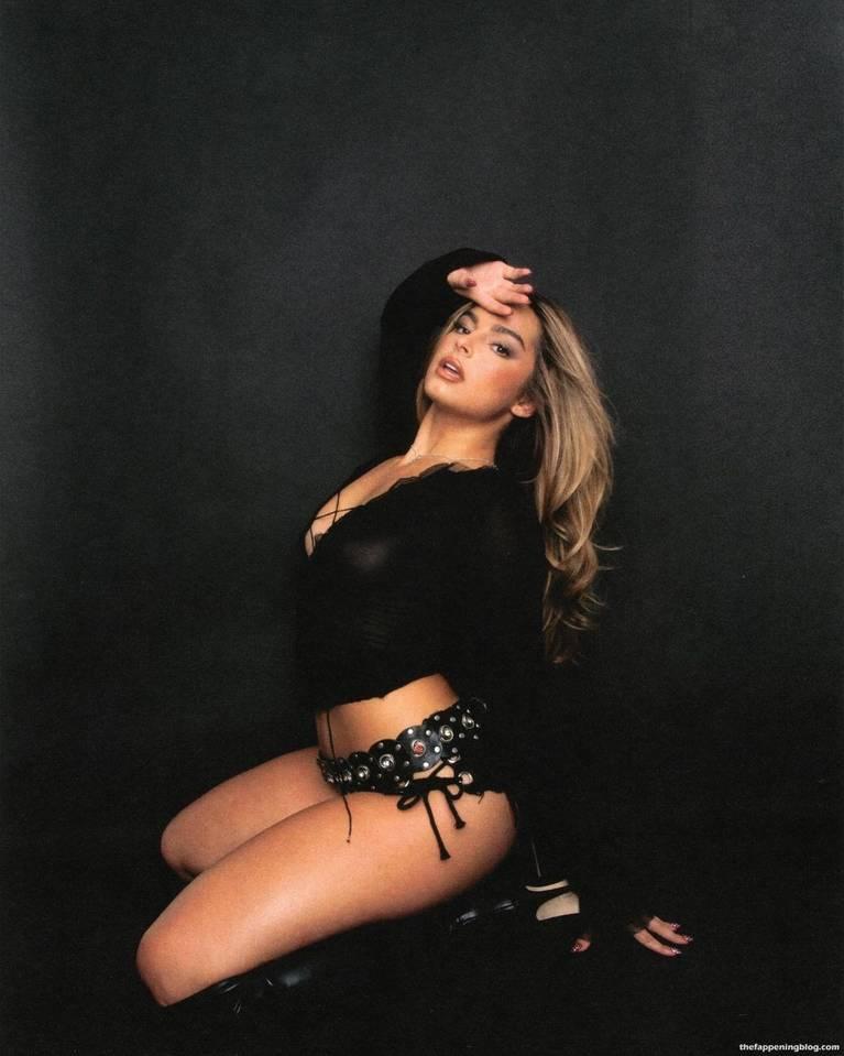 Addison Rae Tits 4
