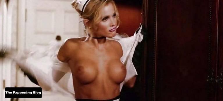 Amanda Swisten Nude Sexy 23