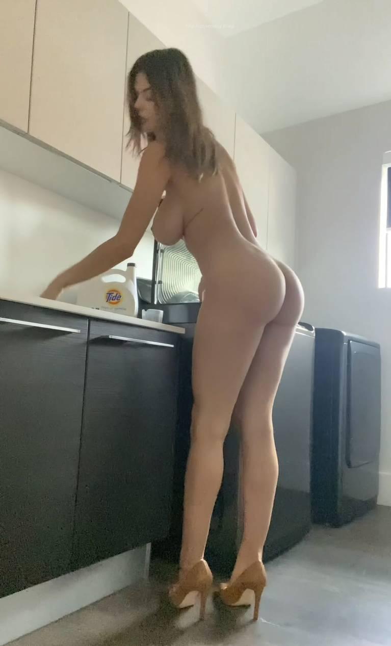 Ashley Tervort Nude 10