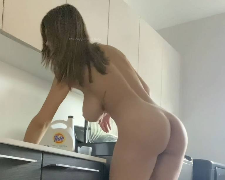 Ashley Tervort Nude 13