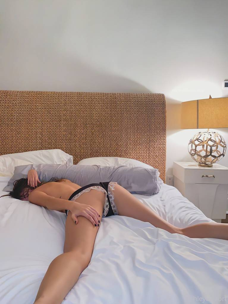 Ashley Tervort Topless 4