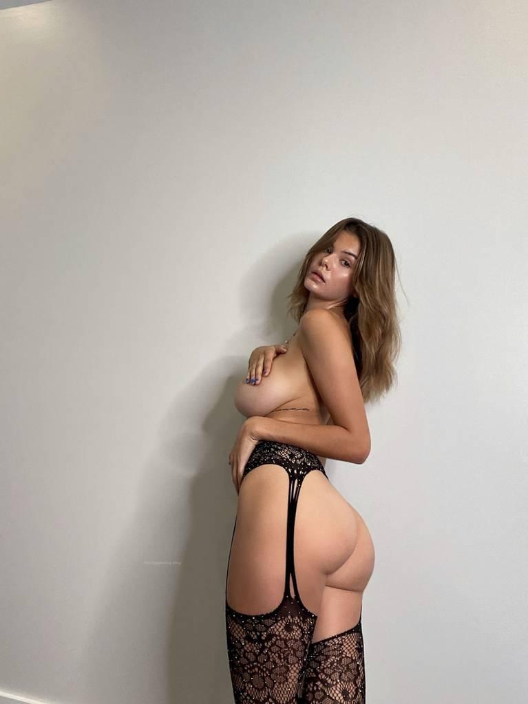 Ashley Tervort Nude Sexy 17