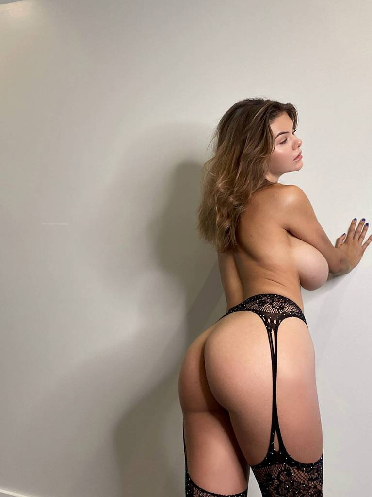 Ashley Tervort Nude Sexy 18