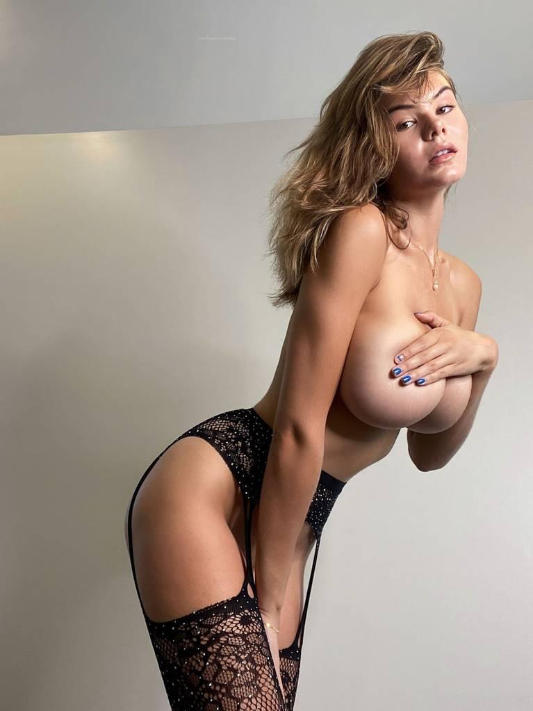 Ashley Tervort Nude Sexy 22