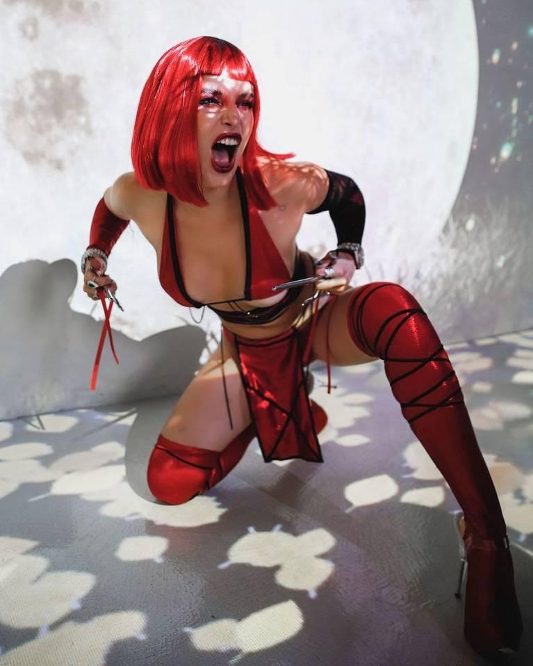 Bella Thorne Nude Sexy 11