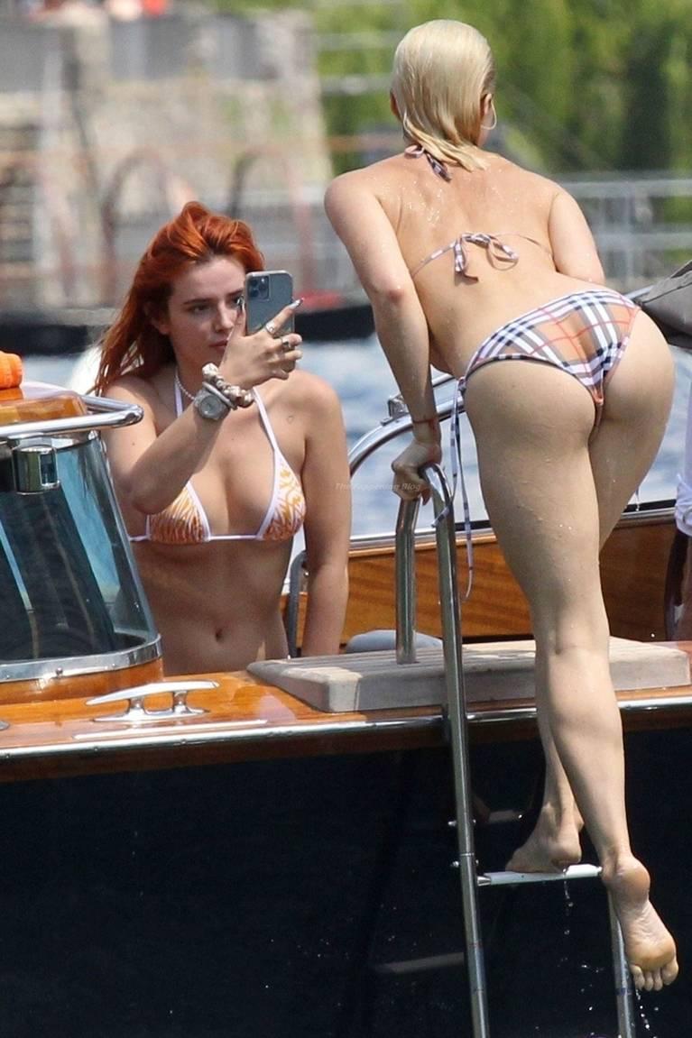 Bella Thorne Sexy 11
