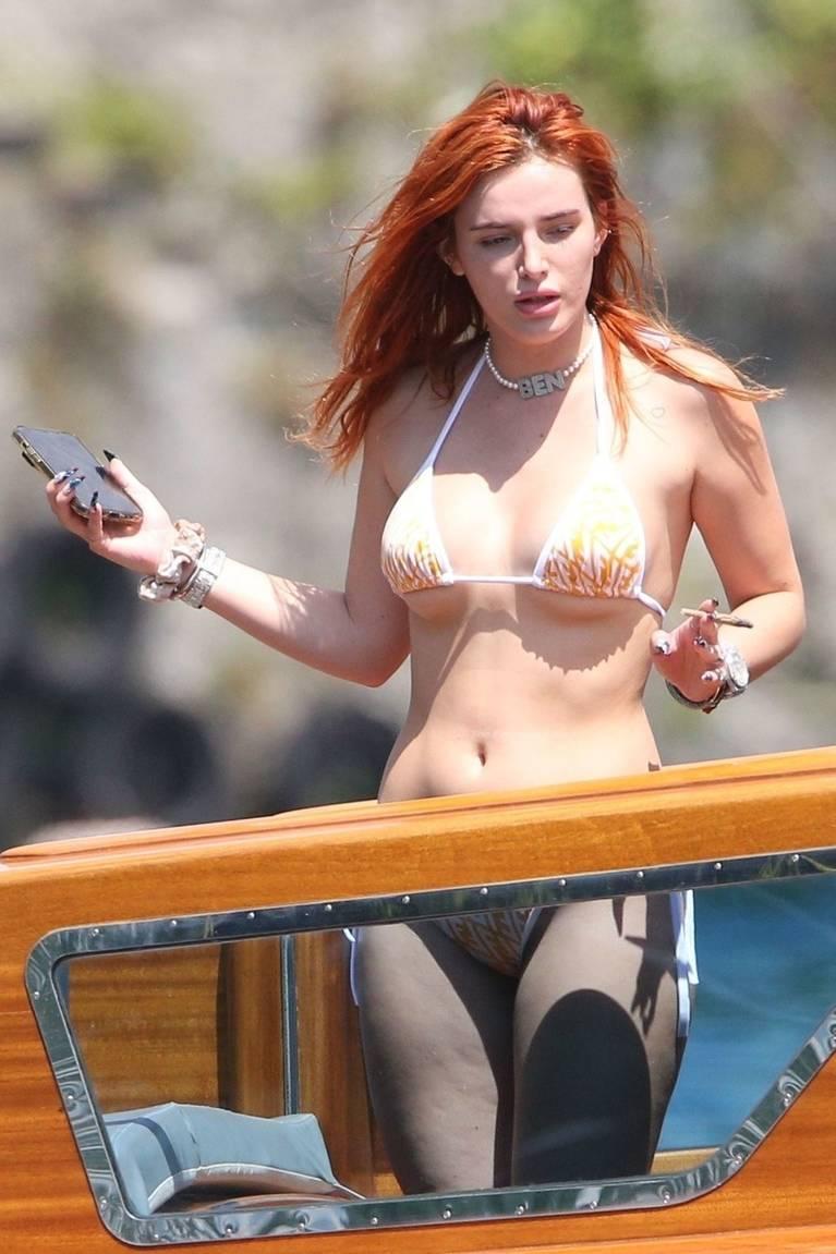 Bella Thorne Sexy 62