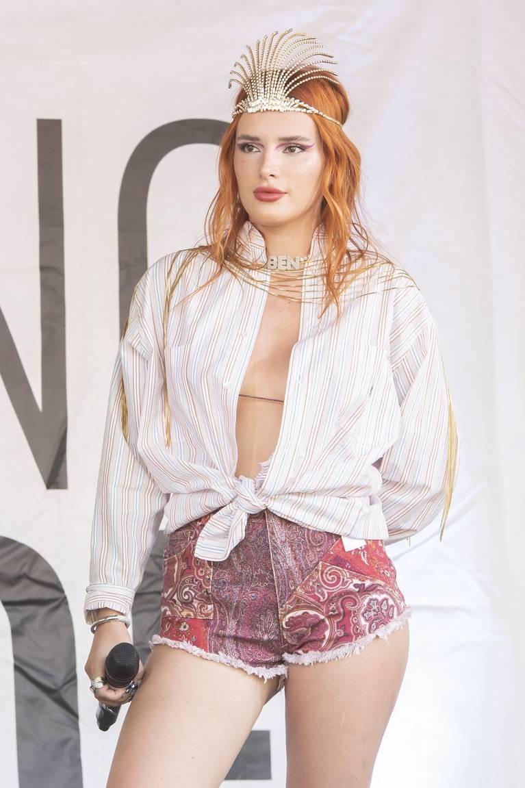 Bella Thorne Sexy 37