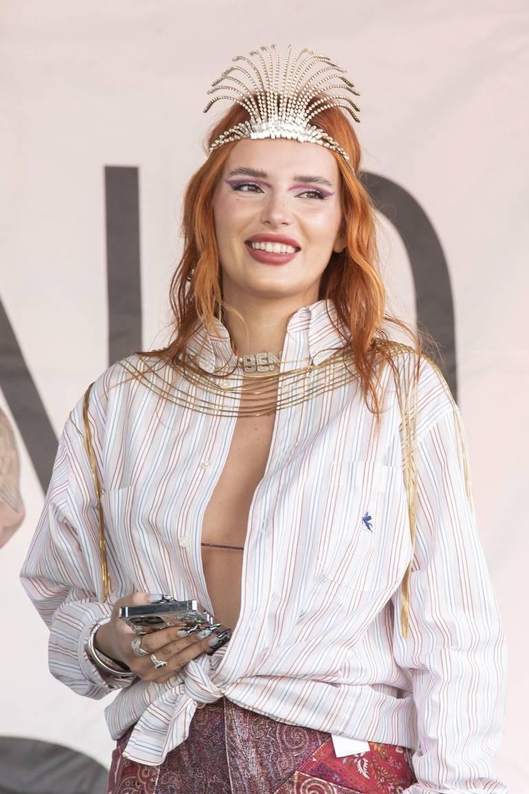 Bella Thorne Sexy 39