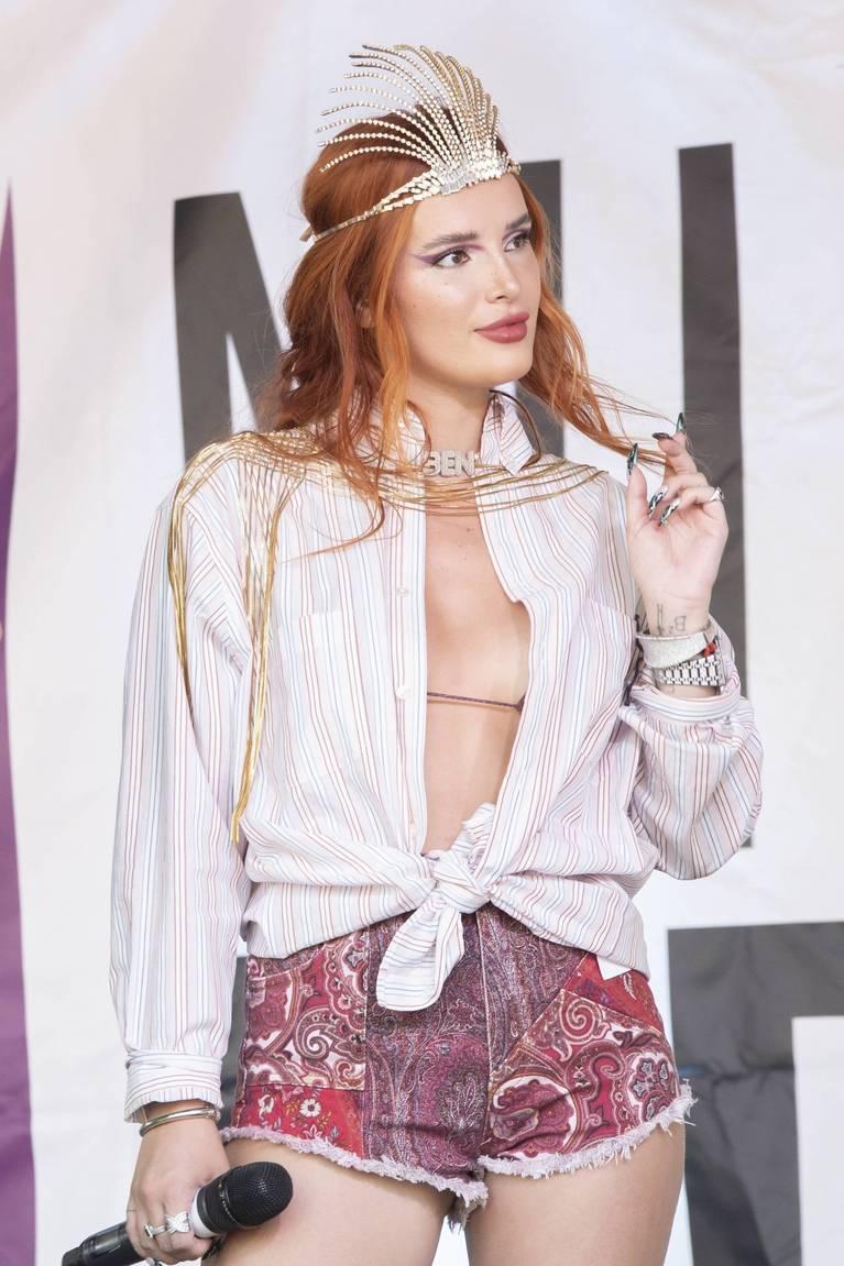 Bella Thorne Sexy 47