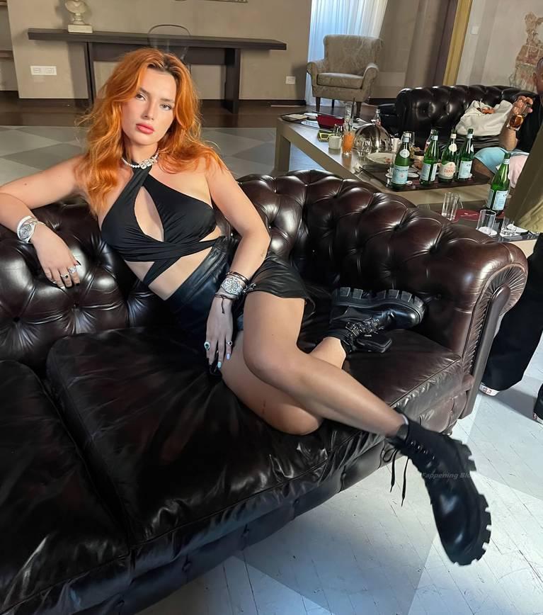Bella Thorne Sexy 5