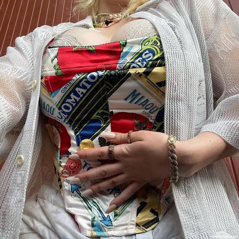 Billie Eilish Sexy 4