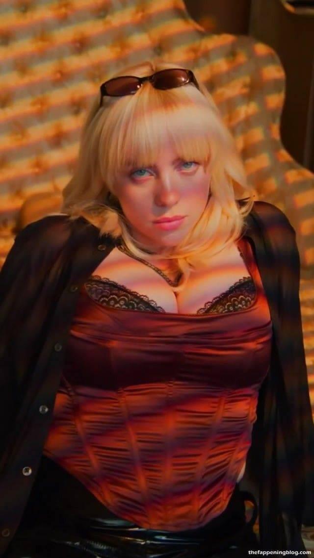Billie Eilish Boobs 6