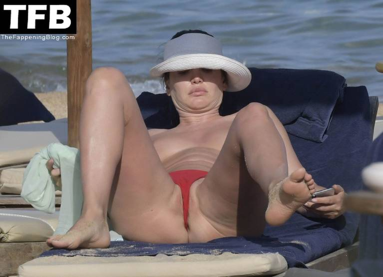 Bleona Qereti Nude Sexy 9