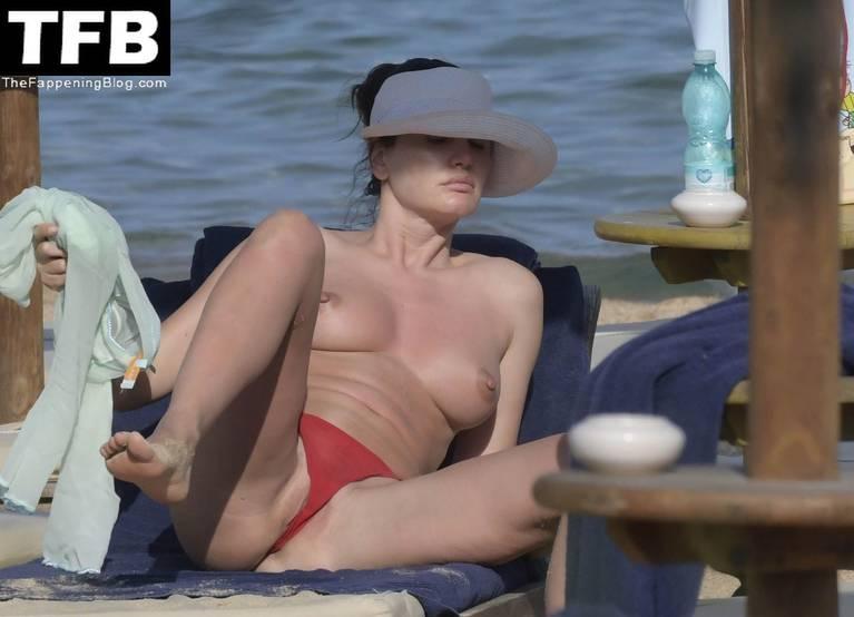 Bleona Qereti Nude Sexy 11
