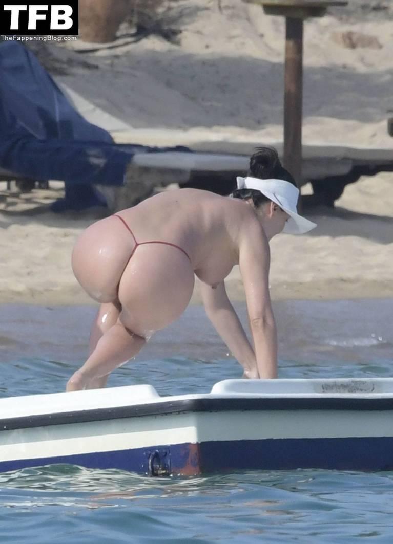 Bleona Qereti Nude Sexy 14