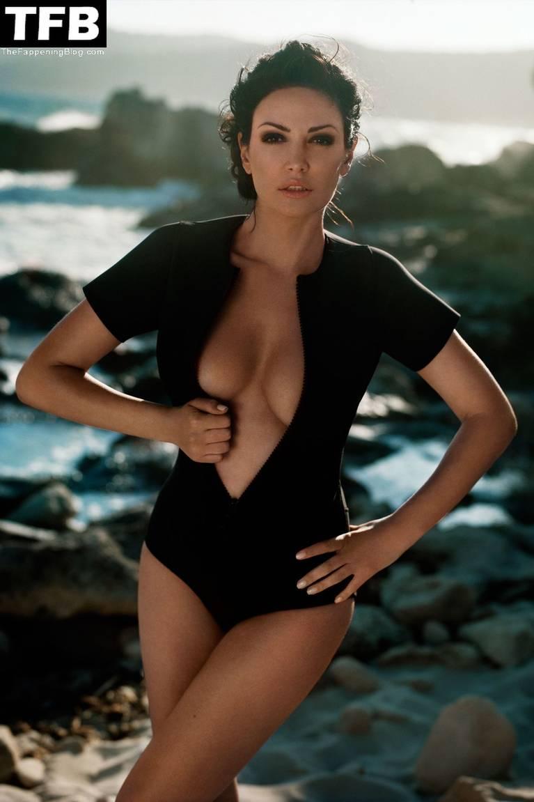 Bleona Qereti Nude Sexy 15