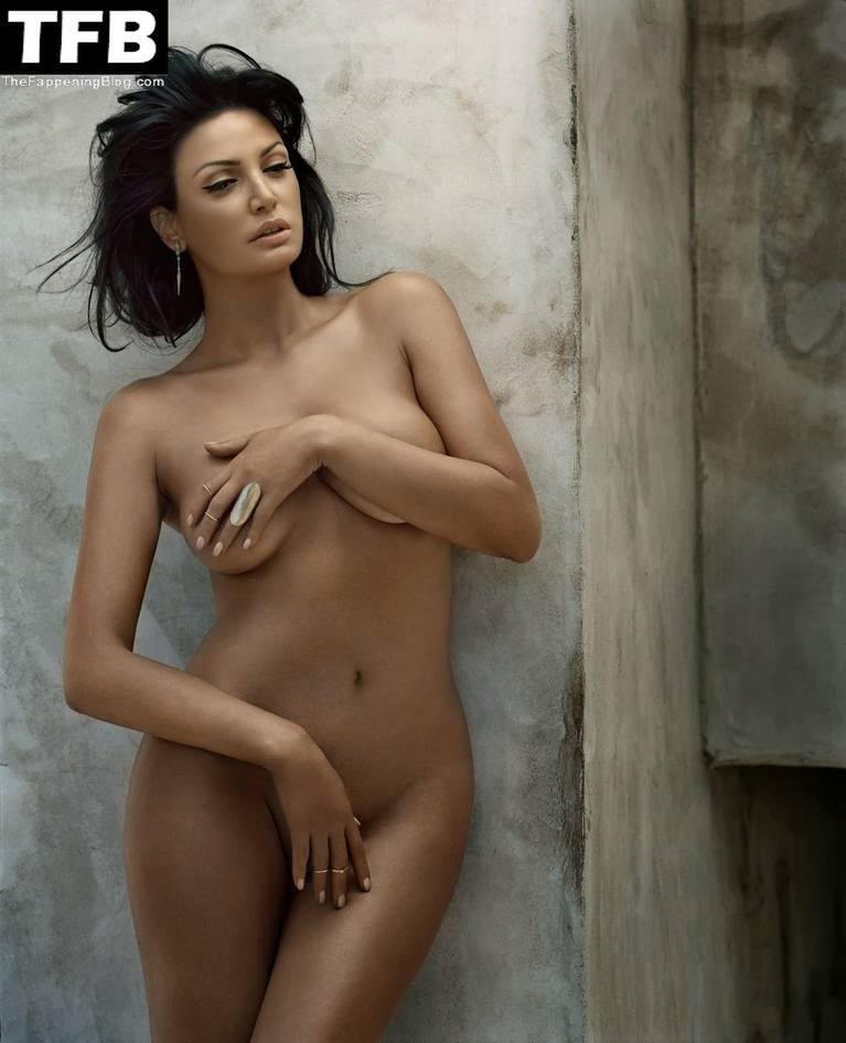 Bleona Qereti Nude Sexy 20