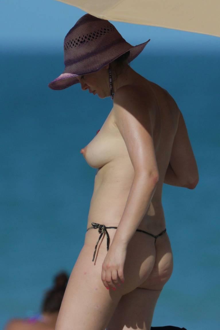Bleona Qereti Nude Sexy 23