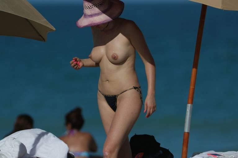 Bleona Qereti Nude Sexy 25