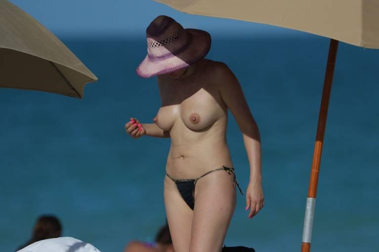 Bleona Qereti Nude Sexy 26
