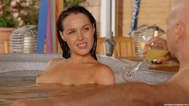 Camilla Luddington Nude Sexy 9