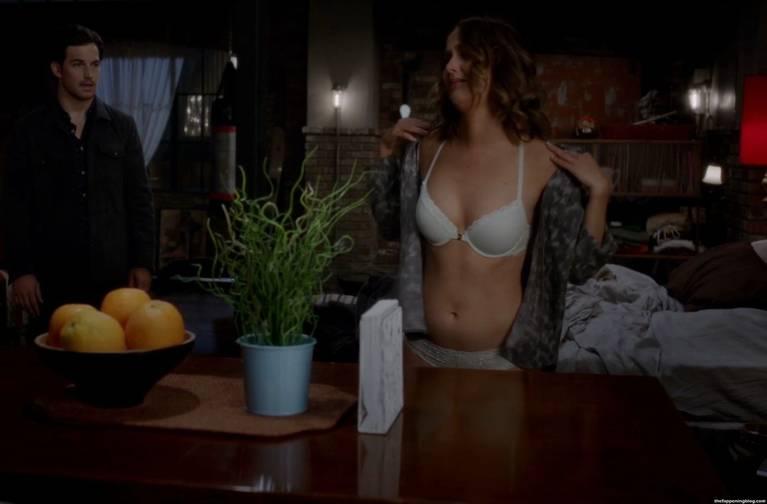 Camilla Luddington Nude Sexy 93