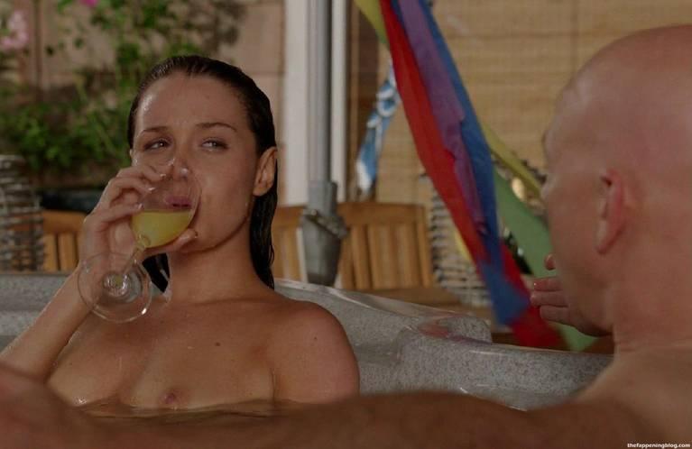 Camilla Luddington Nude Sexy 105
