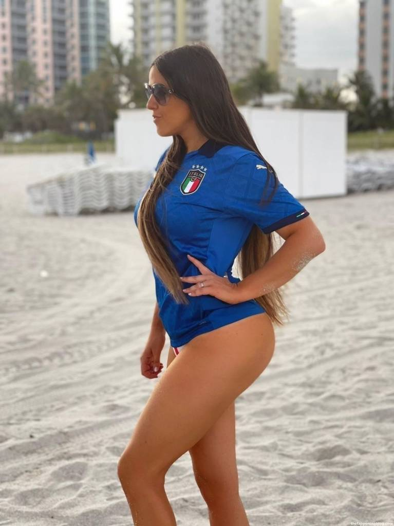 Claudia Romani Sexy 3