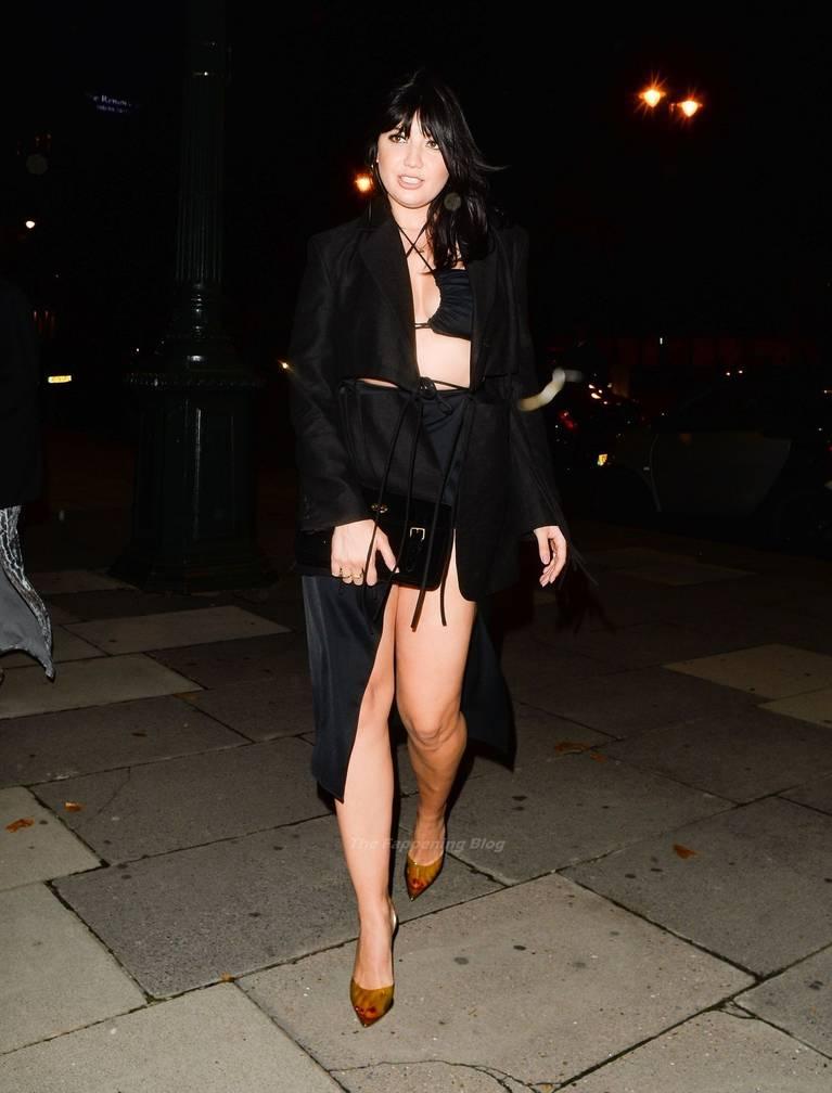 Daisy Lowe Sexy Legs 3