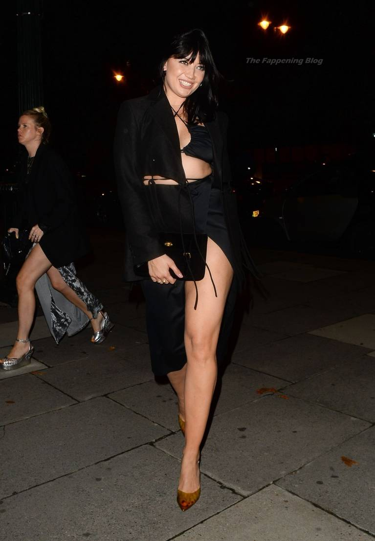 Daisy Lowe Sexy Legs 4