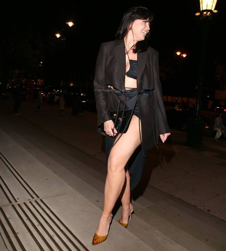 Daisy Lowe Sexy Legs 27