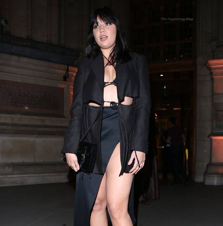 Daisy Lowe Sexy Legs 38