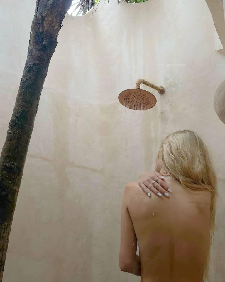 Delilah Belle Hamlin Topless 3