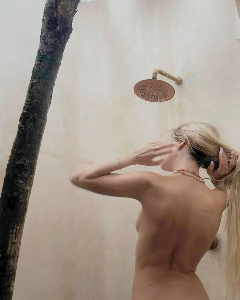 Delilah Belle Hamlin Topless 4