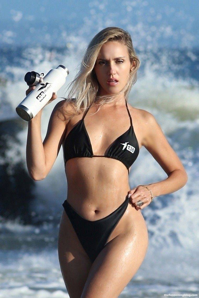 Elena Jole Bikini 3