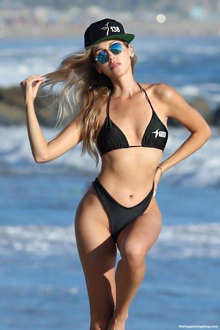 Elena Jole Bikini 4