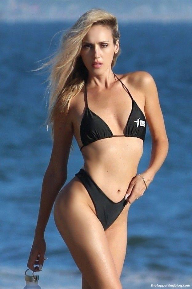 Elena Jole Bikini 10