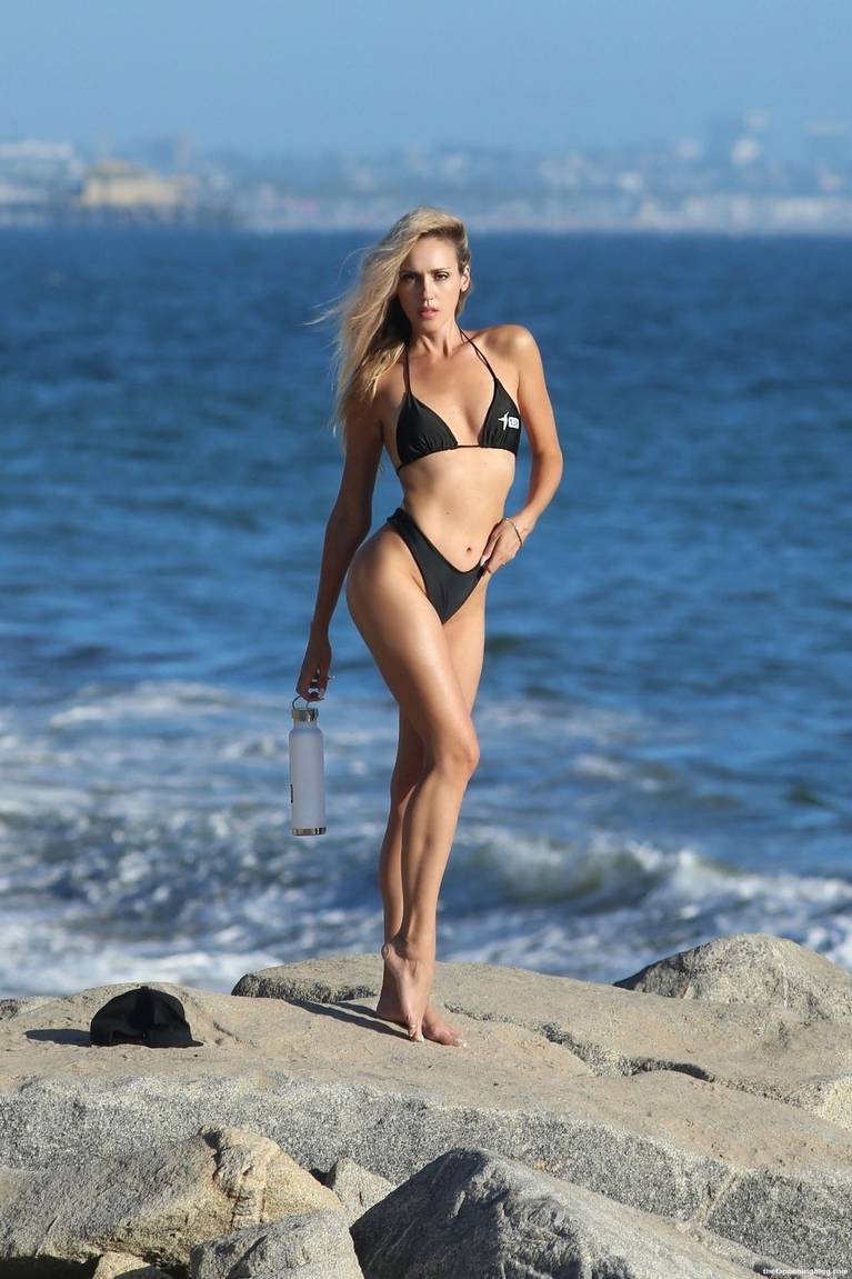 Elena Jole Bikini 11