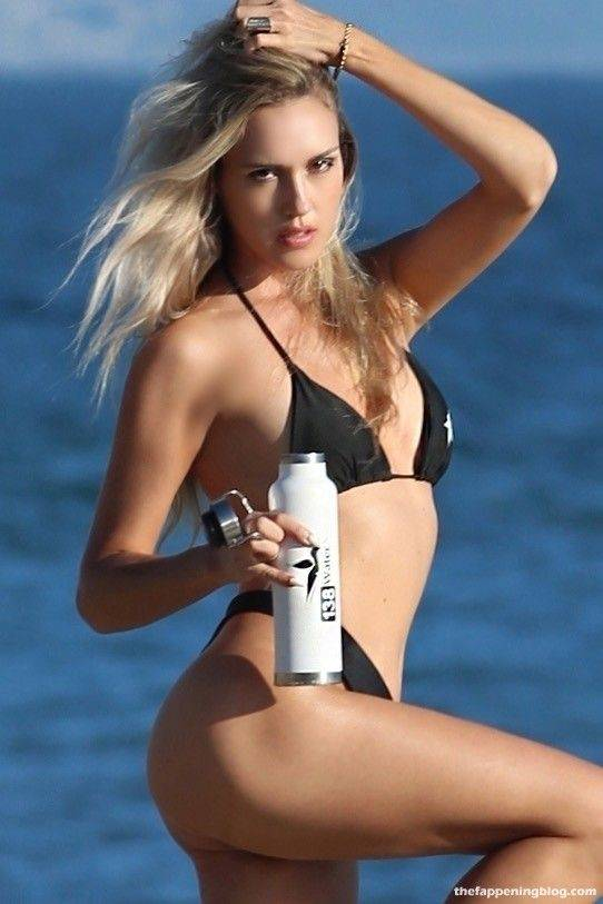 Elena Jole Bikini 12