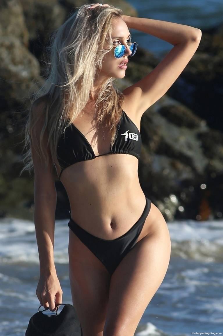 Elena Jole Bikini 17