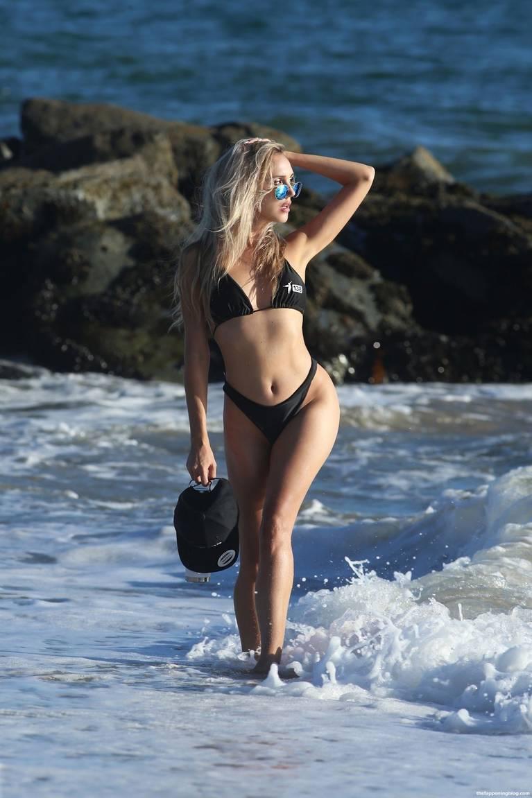 Elena Jole Bikini 18