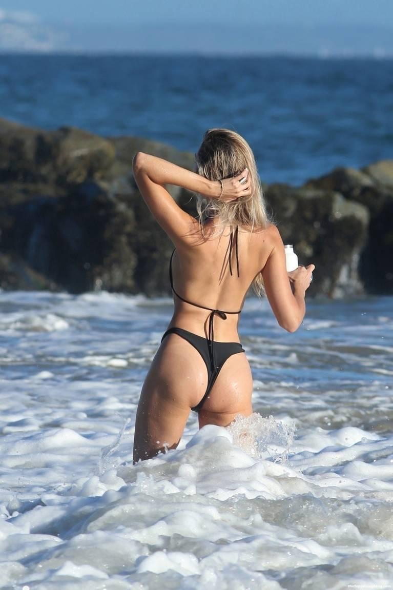 Elena Jole Bikini 19
