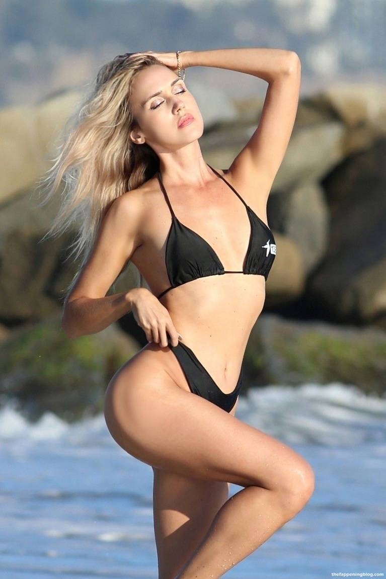 Elena Jole Bikini 22