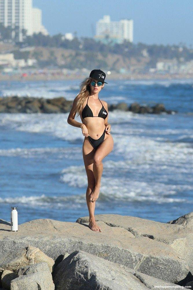 Elena Jole Bikini 28