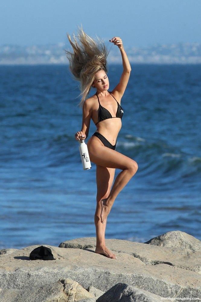 Elena Jole Bikini 34
