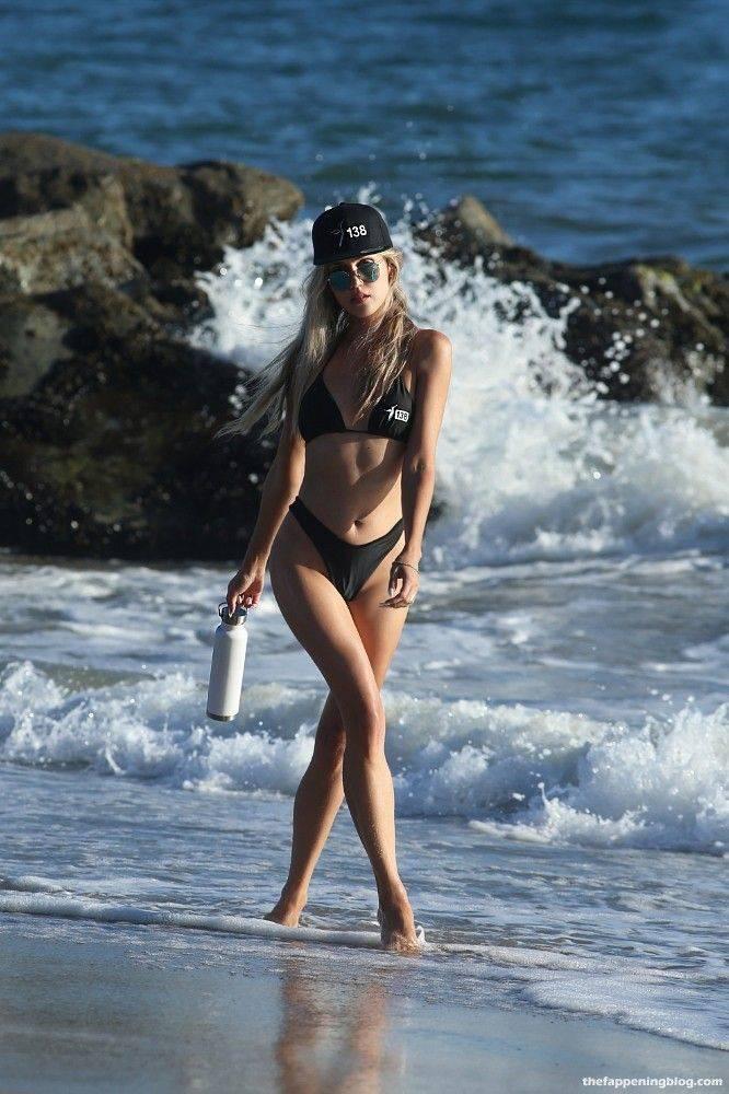 Elena Jole Bikini 39