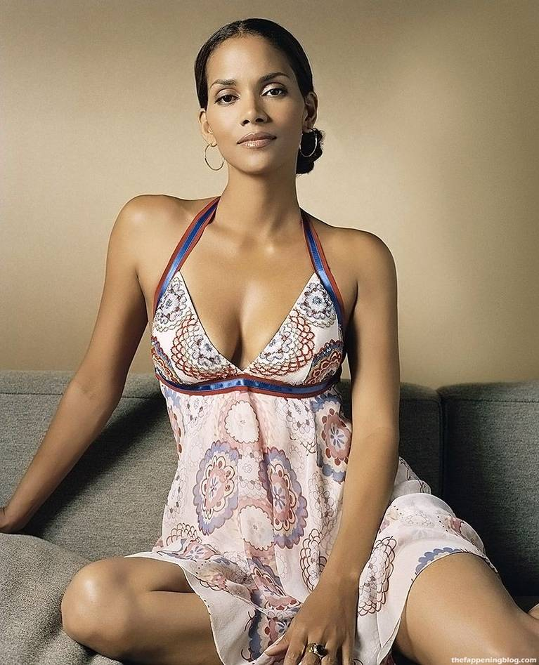 Halle Berry Naked Sexy 15