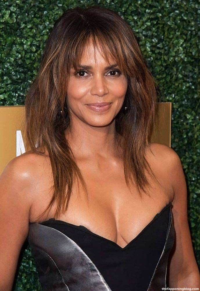 Halle Berry Naked Sexy 21
