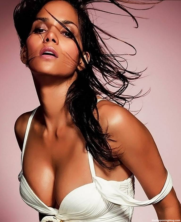Halle Berry Naked Sexy 25